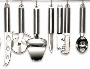 liste d 39 ustensiles de cuisine pas cher pour cuisiner. Black Bedroom Furniture Sets. Home Design Ideas