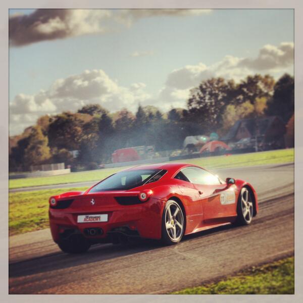 Stage de pilotage à Nantes : Ferrari