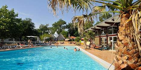 Camper dans les landes pour ses vacances for Toro piscine labat