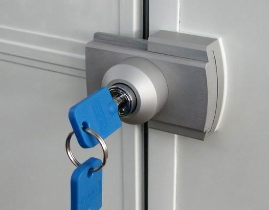 S curiser son domicile quelle serrure choisir - Comment installer une serrure de porte ...