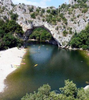 décor sauvage en Ardèche
