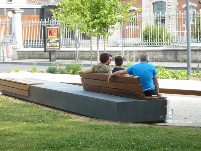 Banc mobilier urbain openspace