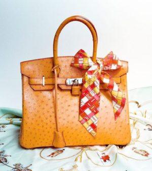 Foulard: la folie des carrés de soie