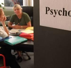 un psychologue s'entretien avec son patient