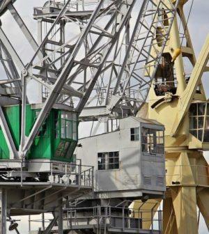 grue portuaire construction navale