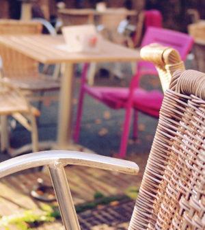 Le salon de jardin en rotin tressé sublime votre espace vert
