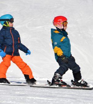 enfants-équipés-ski-neige