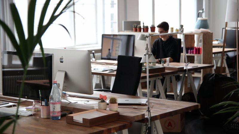 cloison pour aménager des bureaux