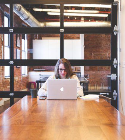 cloison vitrée intérieure pour aménager des bureaux