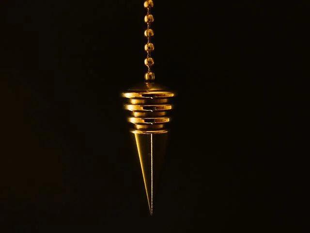 utiliser pendule divinatoire